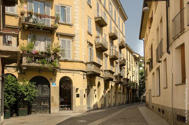 Barrios Milán Brera bohemio encanto Italia turismo