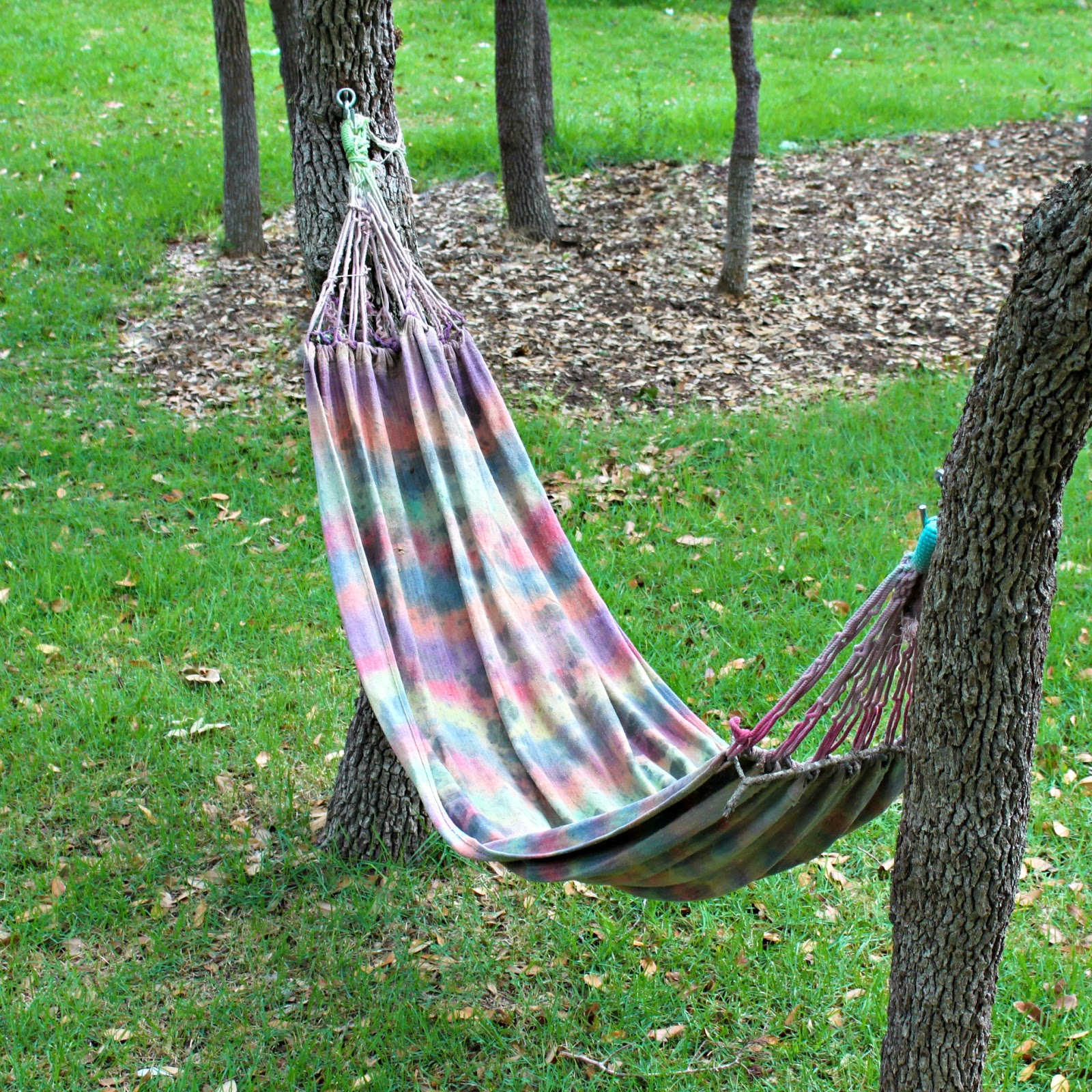 Make Your Own Tie Dyed Hammock