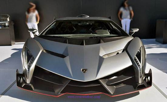 How many mpg does a lamborghini get