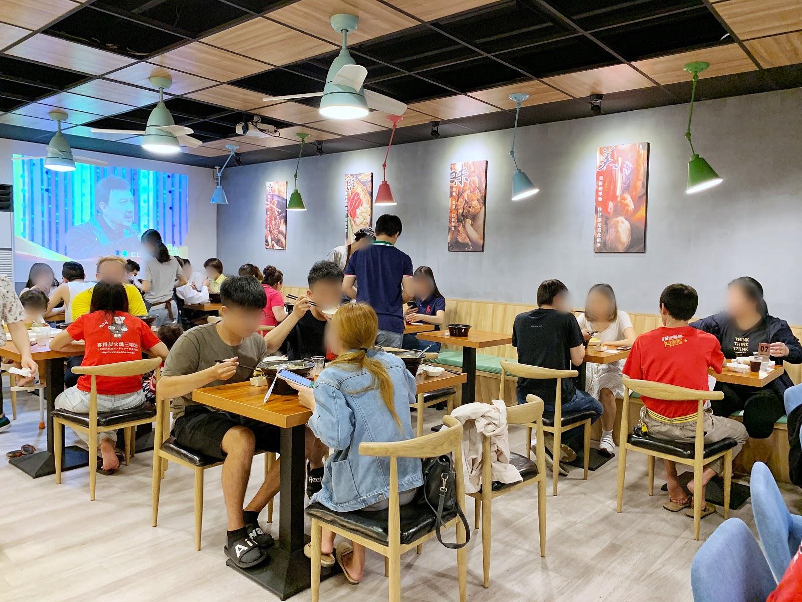 台南北區美食小石鍋店內環境