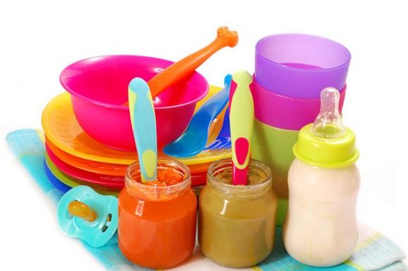 perlengkapan bayi berupa alat makan