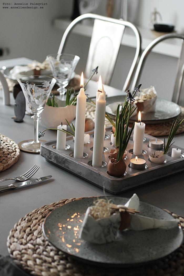 annelies design, webbutik, webshop, nätbutik, nettbutikk, påsk, påskdukning, dukning, bordsdukning, påsken 2017, tablesetting, easter, kanin, stumpastake, äggskal, ägg, påskpynt, dekoration, stumpastaken, ljusstake, ljusstakar, kök, köket, matplats, matsal, servetter, servettvikning som en påskhare, hare, kaniner, kanin,