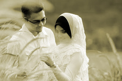 Istri bukan Bidadari dan Suami bukan Malaikat
