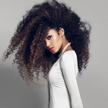 Remedios caseros para reparar el cabello rizado