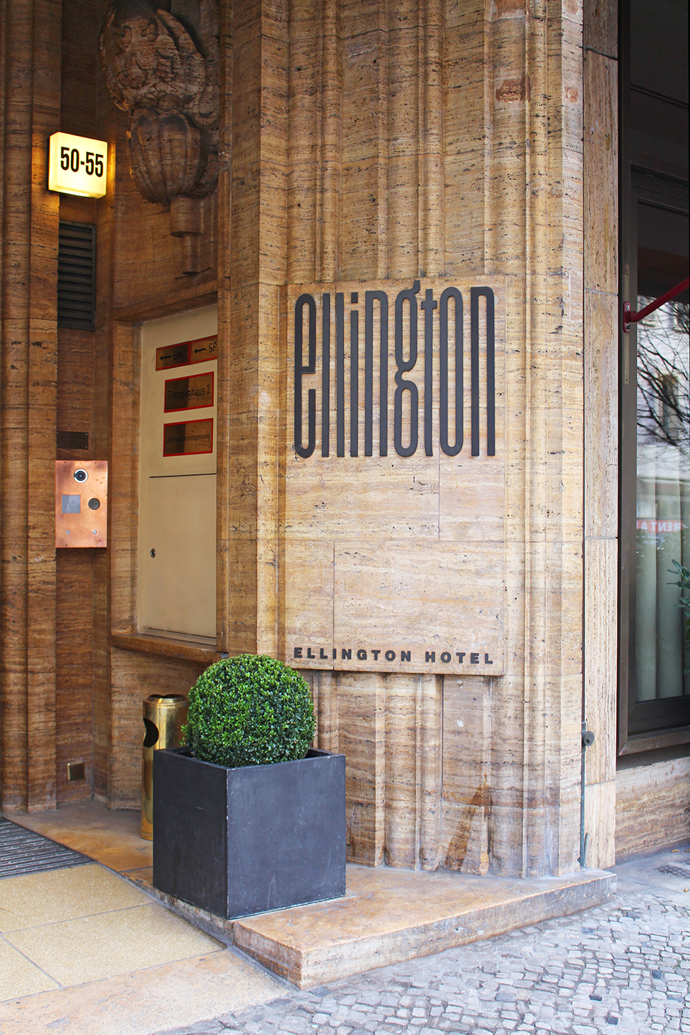 Ellington Hotel entrance, Berlin - travel & lifestyle blog