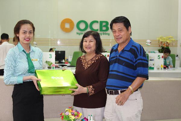 OCB chi 5 tỷ đồng tặng quà cho khách hàng
