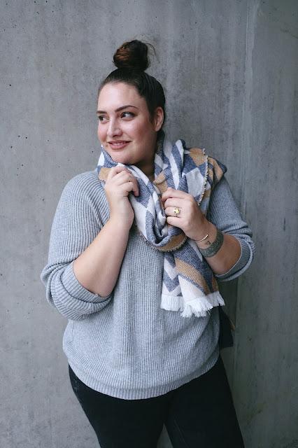 statement piece, winter, la halle, kiabi, primark, plus size, curvy girl, scarf, papertownch, swissblogger, switzerland,