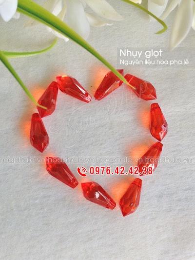 Nguyen lieu hoa pha le o Thanh Nhan