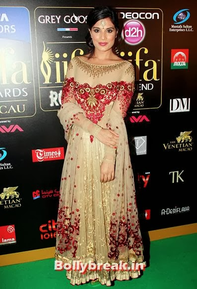 Richa Chaddha, Which Bollywood Actress Wear the Worst Outfit in Year 2013?
