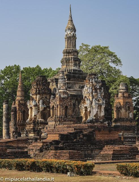 Wat Mahathat, Sukhotai - the main chedi