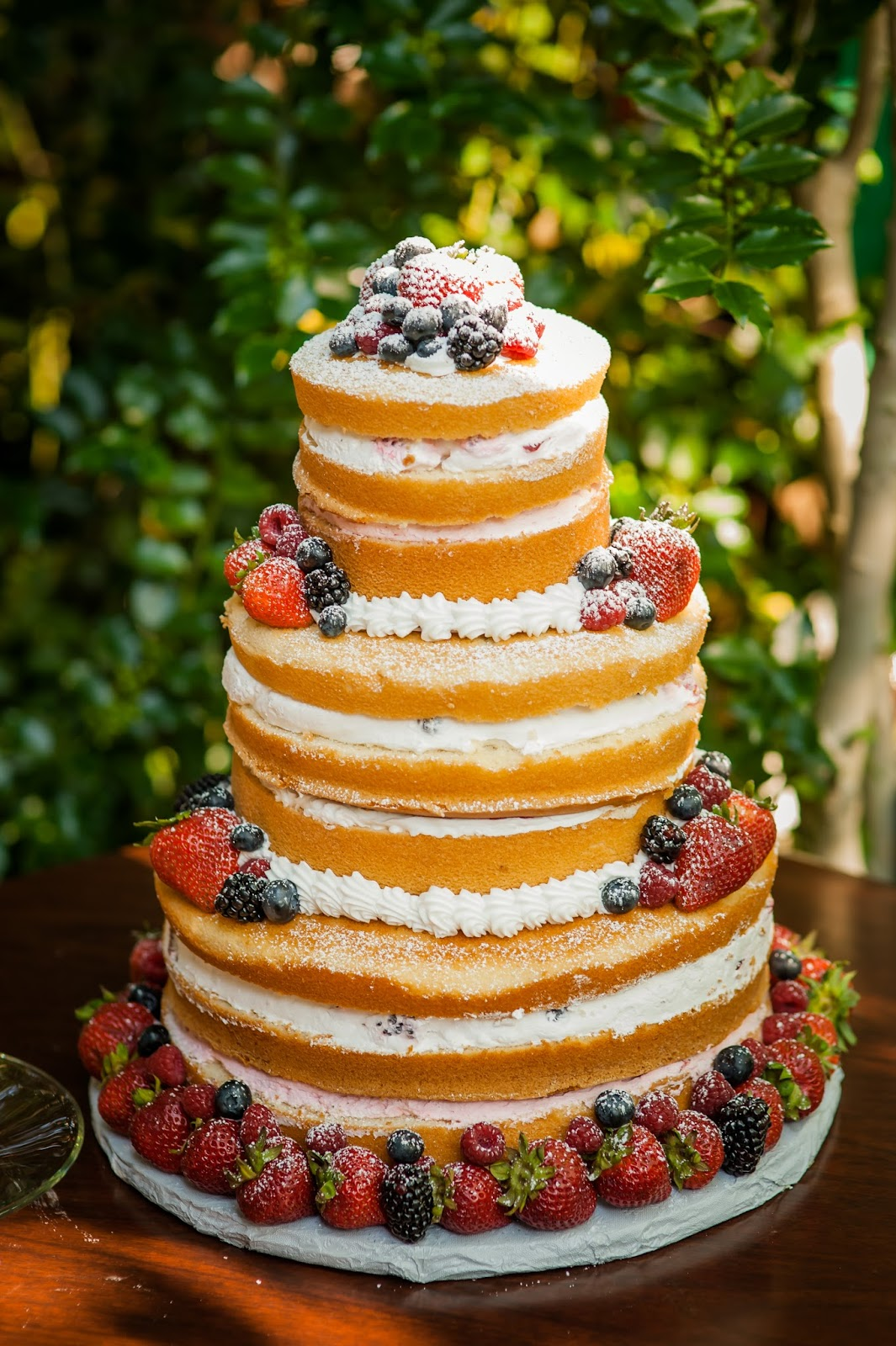 creative wedding cake photo