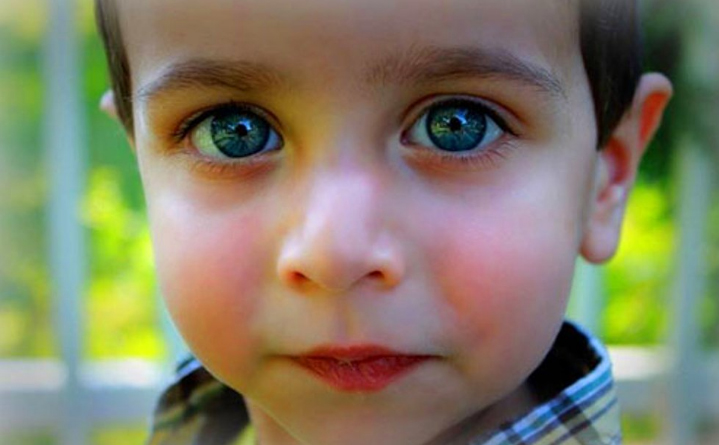 the 10 children with the most beautiful eyes in the world