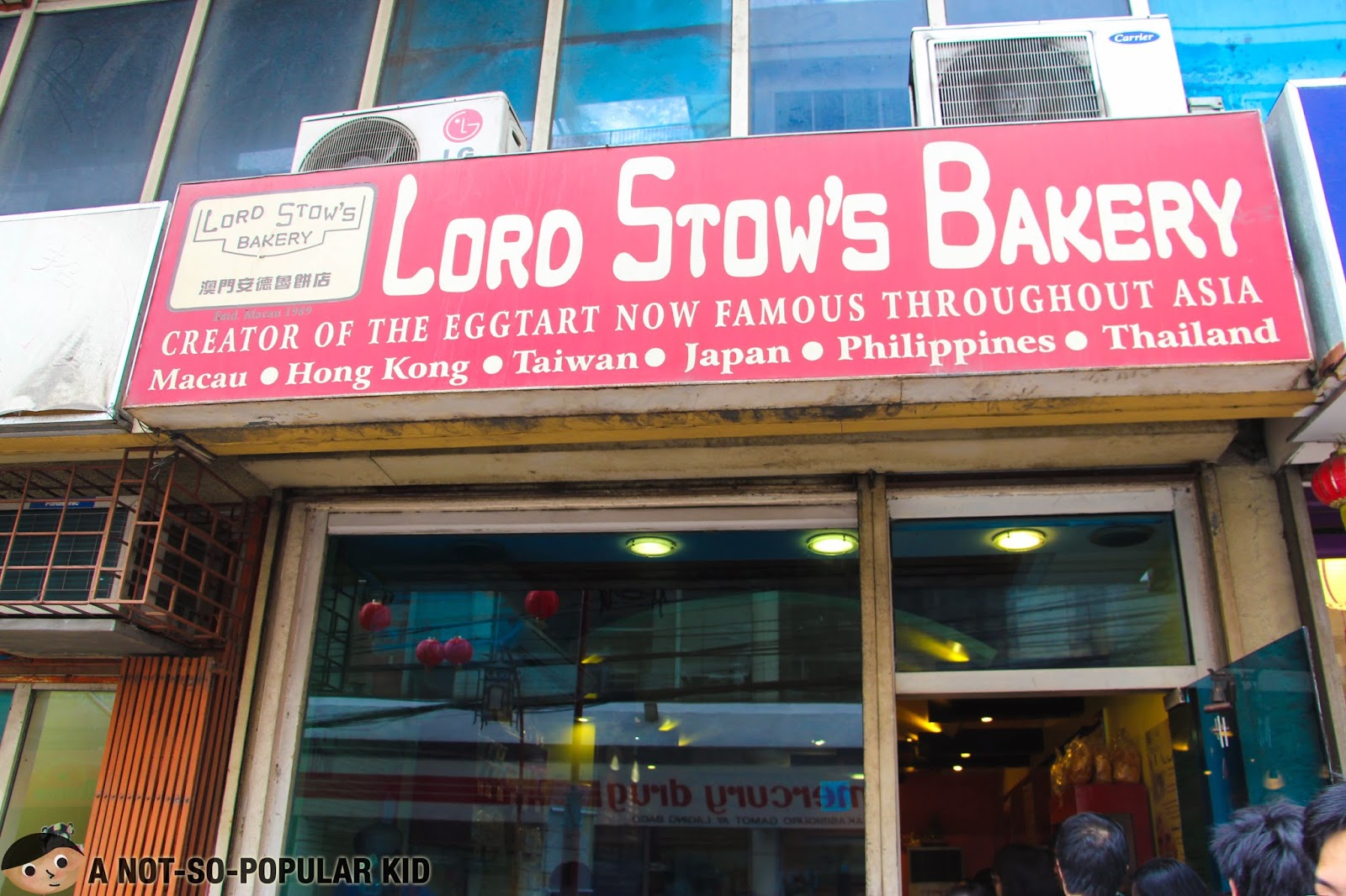Lord Stow's Bakery in Ongpin Street beside Mr. Ube