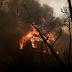 EKTAKTO! Μέτωπο φωτιάς στα διυλιστήρια Κορίνθου και στην Πεντέλη – Καίγονται σπίτια, χτυπούν οι καμπάνες