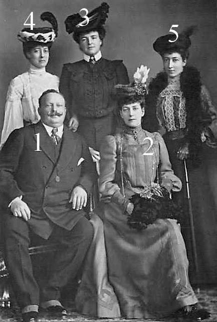 Carlos I et Amélia de Portugal, la reine Alexandra de Grande-Bretagne et d'Irlande, la Princesse Royale et la princesse Victoria de Grande-Bretagne et d'Irlande