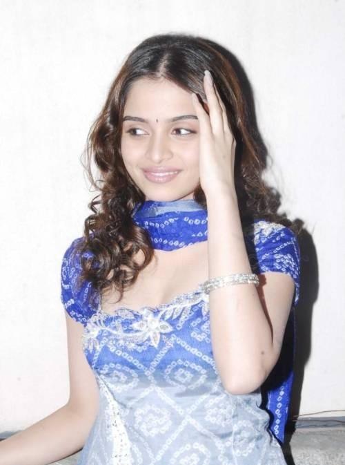 Sheena Shahabadi New Photos