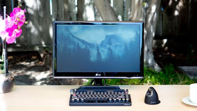 Tastiera bluetooth per iMac che ricorda macchina da scrivere