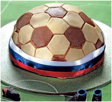 http://eda.parafraz.space/tort-futbolnyiy-myach-s-persikami-i-marcipanom/