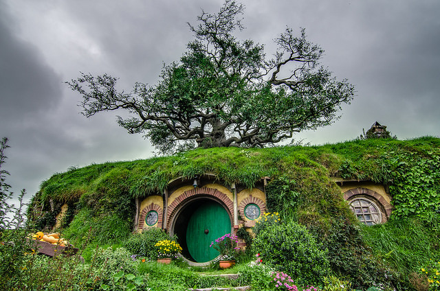 1 of the 44 hobbit houses in the Hobbiton movie set