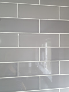 Grey Tonal Colour Variance in Kitchen Wall Tiles from Wickes