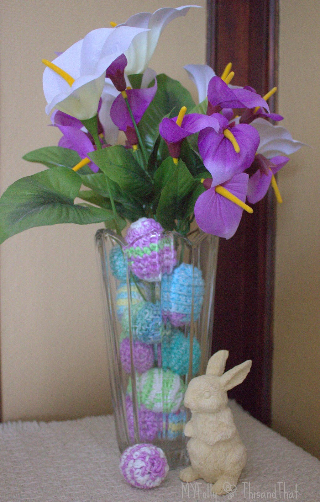 Decorating with crochet Easter Eggs #crafts #easter #crochet
