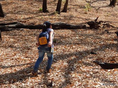 Niña caminando en el barranco El Zarco, municipio de Jocotepec