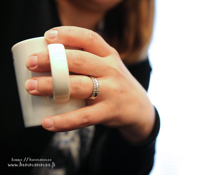 sormukset sormessa