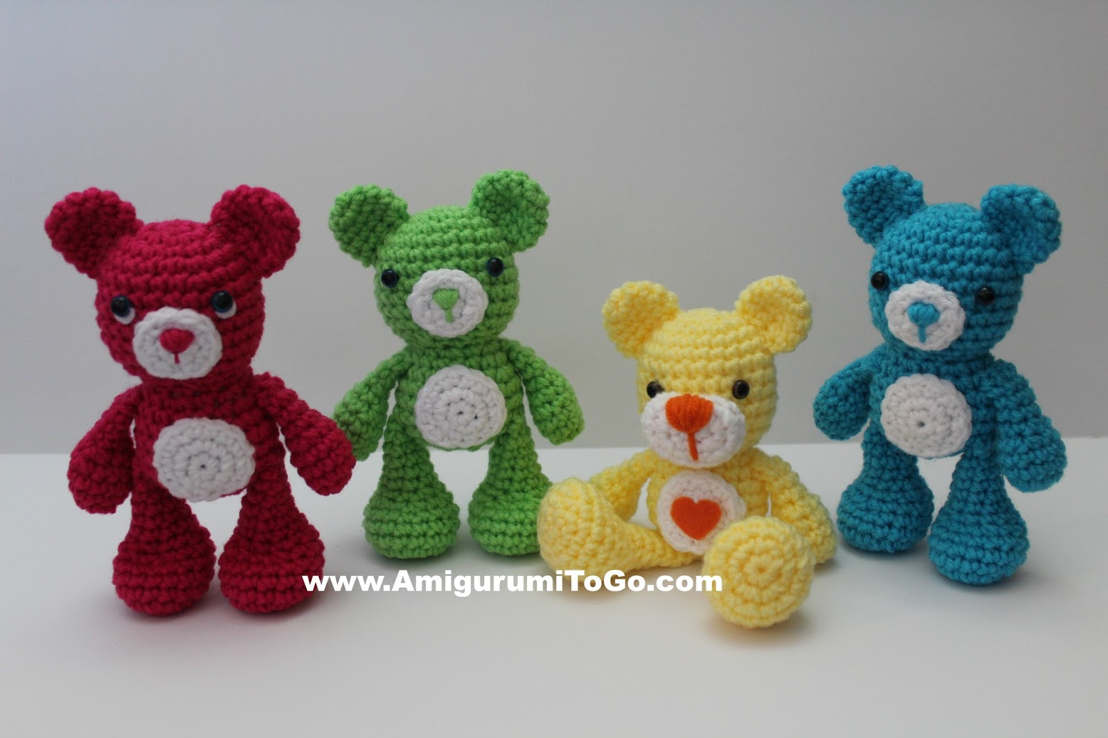 Free Amigurumi Nativity Pattern : Valentine teddy bear with heart shaped feet amigurumi to go