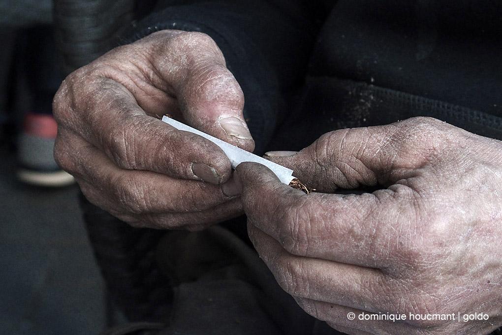 photo, Mains de sculpteur, pierre portier sculpteur, artist, sculptor hands © dominique houcmant
