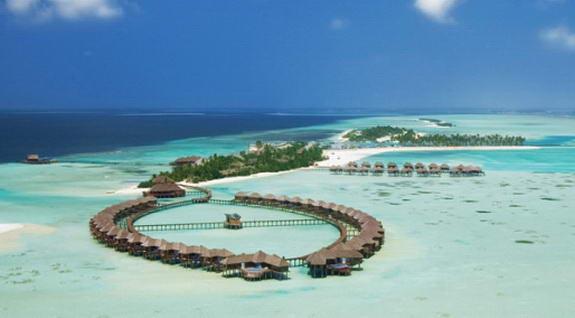 10 Pantai Paling Cantik Se- Asia