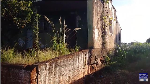 Borrazópolis-Prédio abandonado gera revolta de moradores da Rua Santa Catarina