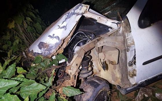 Acidente na BR-101 termina com criança e motorista gravemente feridos; carro era ocupado por 6 pessoas