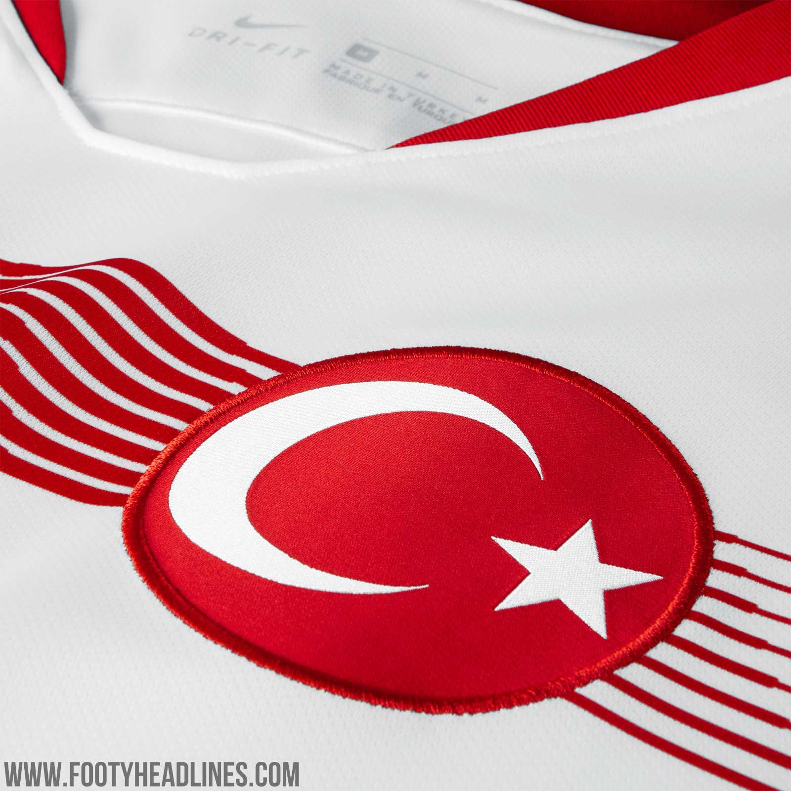 https://3.bp.blogspot.com/-0YFKe7CLq1s/WrAMKMn5MtI/AAAAAAABd8E/7uN2nKOlsHo5qVoh-KE_Ulskt_TiH55hACLcBGAs/s1600/turkey-2018-home-away-kits-8.jpg
