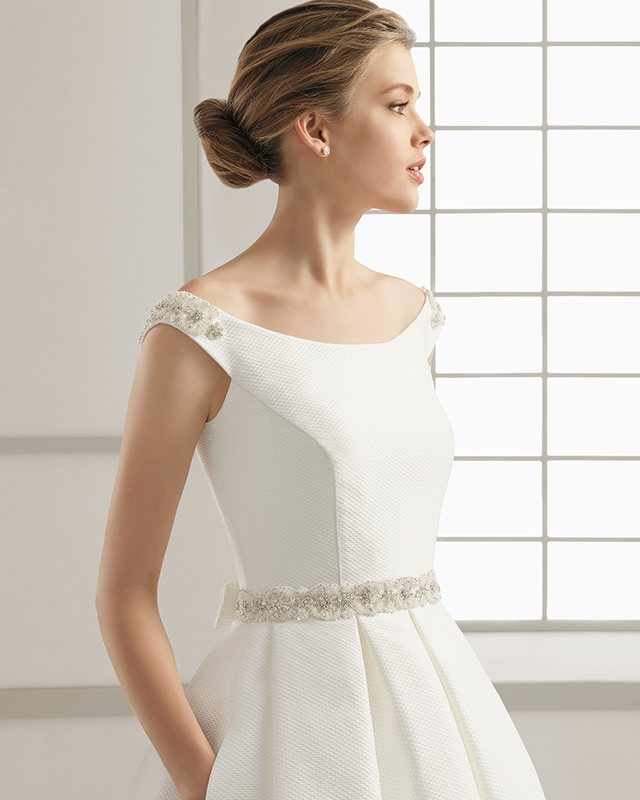 Vestido de novia cuello barco