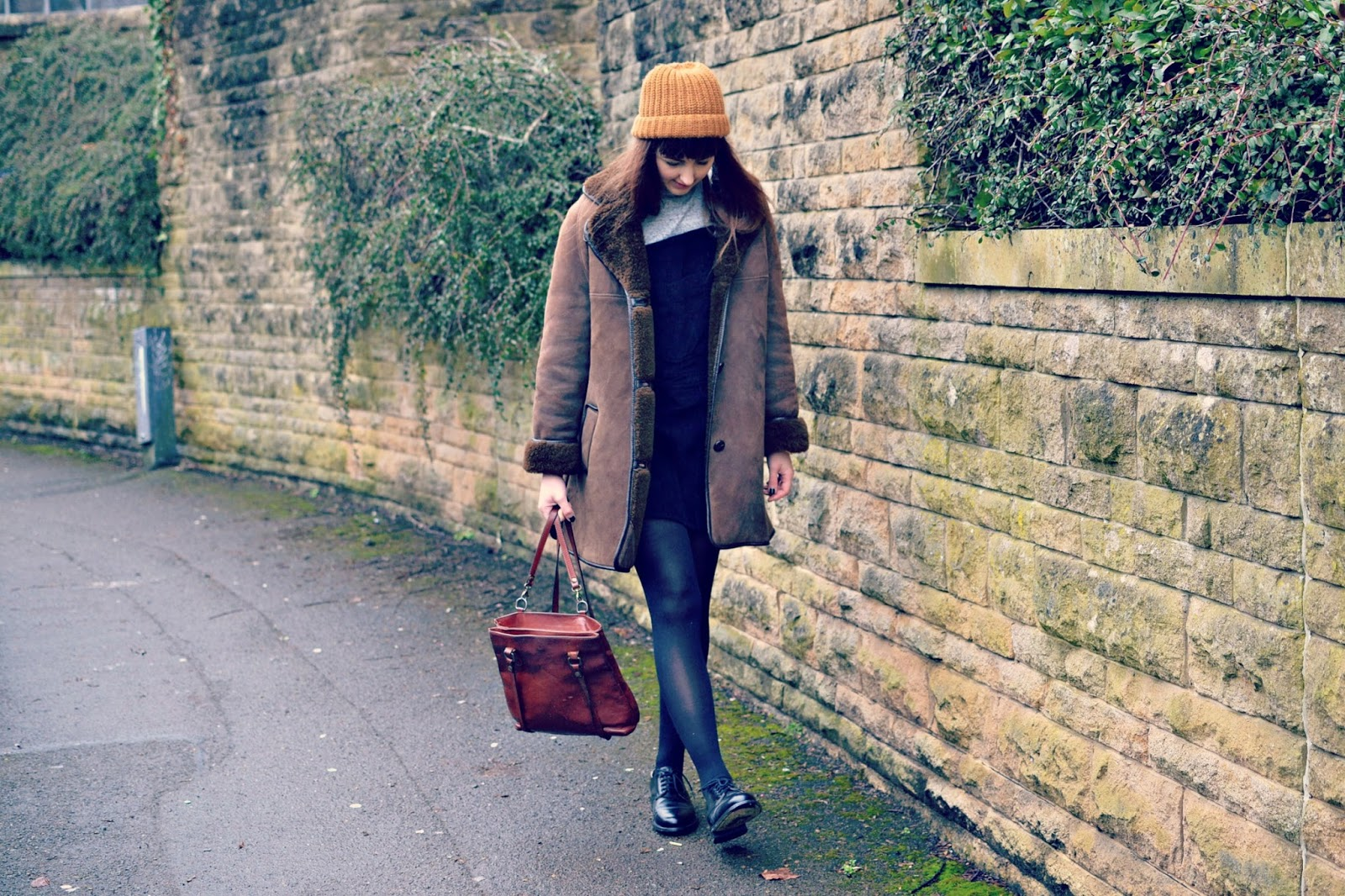 vintage sheepskin coat, vintage shoes, monki hat, outfit post