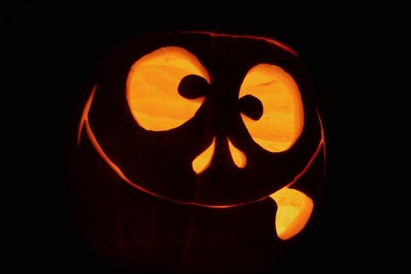 Carved Goofball Halloween pumpkin