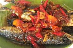 Ikan Pindang Hanya Digoreng, Kreasikan Dengan Resep Tumis Pindang Pedas Manis