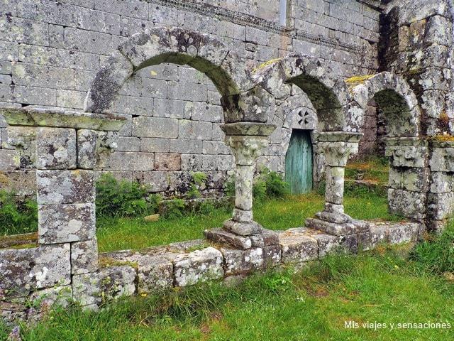 claustro, Pitoes das Júnicas, ruinas, monasterio