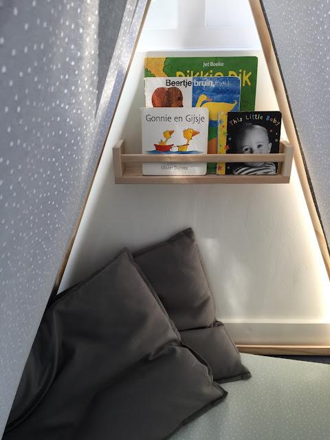 Studio Mojo. DIY, DIY speelhoek, Gemaakt/ DIY, speeltent, zelf een speelhoek maken, budget speelhoek, naaien