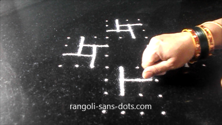 padi-kolam-with-twists-1521ab.jpg
