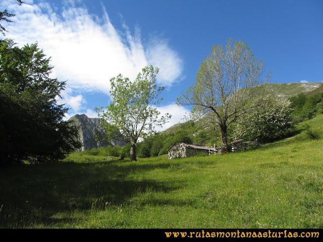 Ruta Lindes - Peña Rueda - Foix Grande: Manín de Arriba