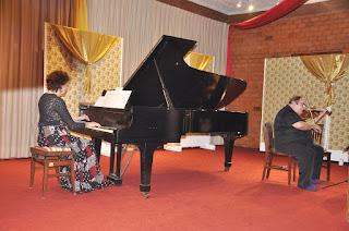 Série Concertos de Gala contou com a participação do Duo Milewski de violino e piano