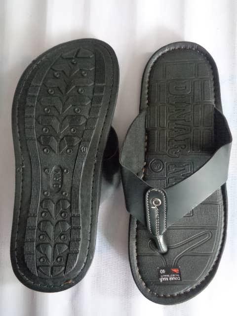 Sandal Spon Dinar MAs Tali hitam tampak atas