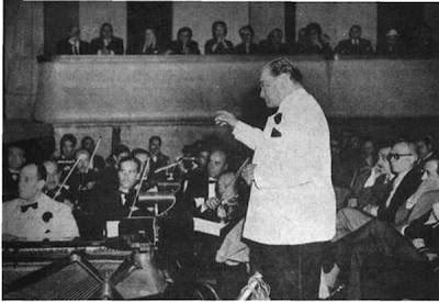 Francisco Canaro con su orquesta en 1957
