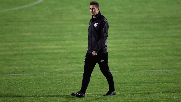 Alles Gute Zum Geburtstag Miroslav Klose Komplette Fussballschuh