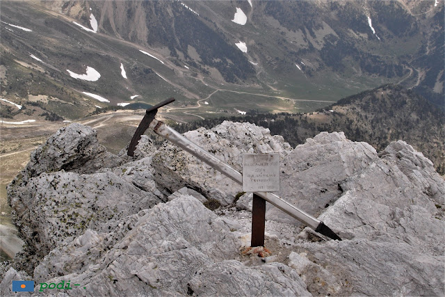 Gra de Fàjol de dalt, club alpí palamós. 2708 metres piolet