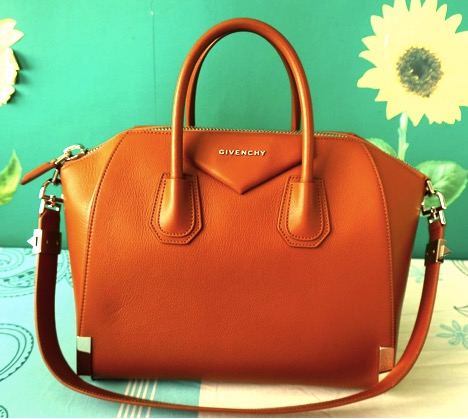 Guest Post Spotting Replica Givenchy Antigona Bag - Andrea Tiffany aglimpseofglam