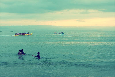 banana boat di pantai batu karas