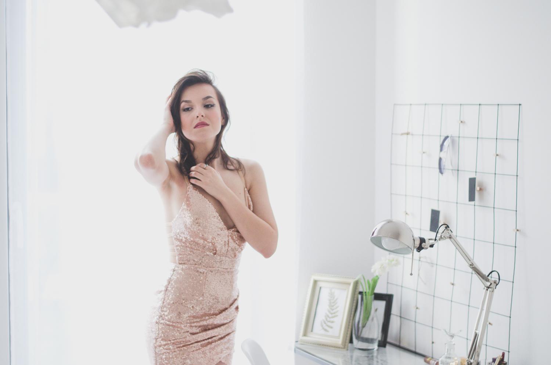 złota sukienka cekinowa cekiny sylwester karnawał blog