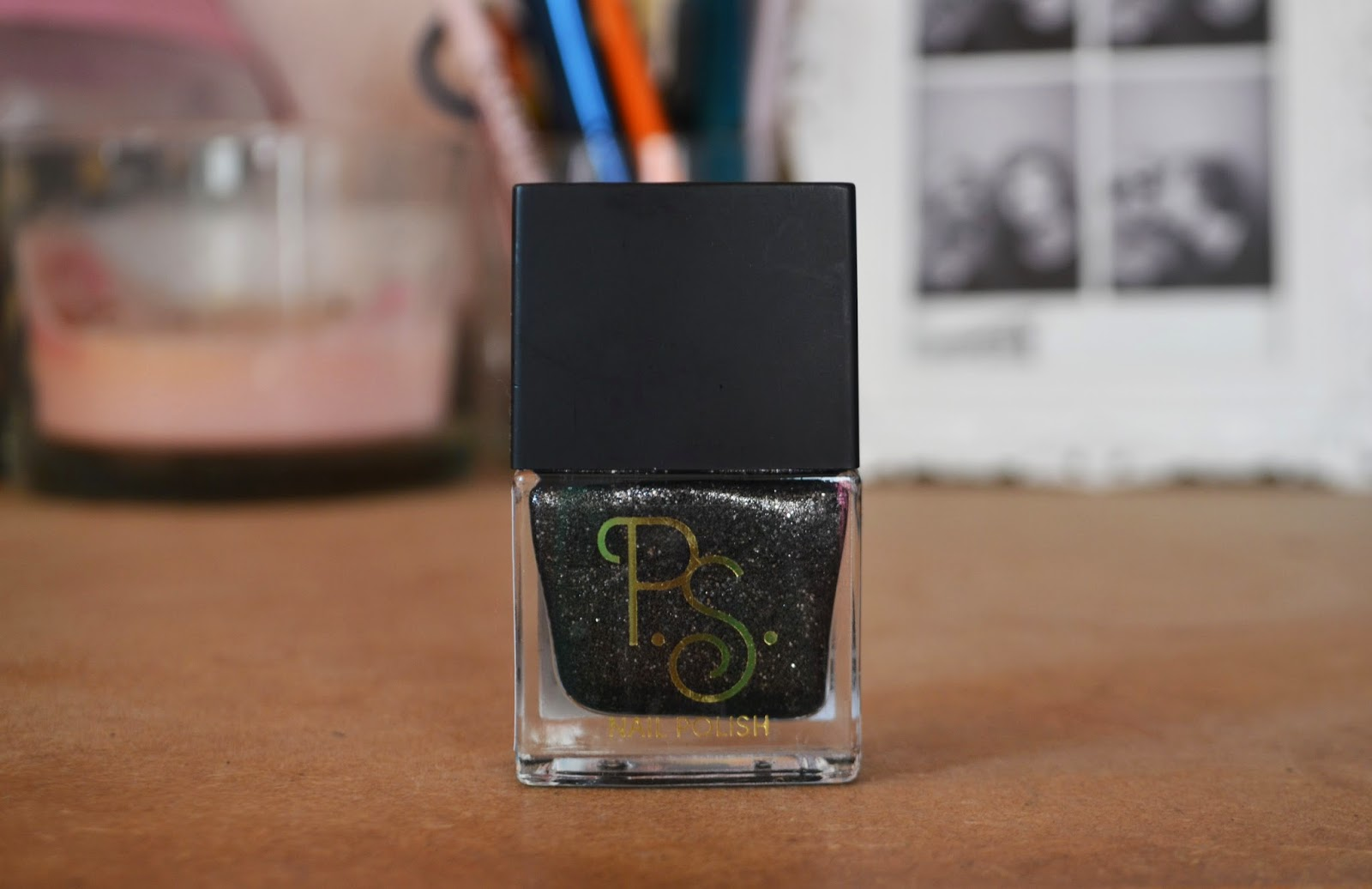 BOTTLE OF BLACK GLITTER PRIMARK NAIL VARNISH